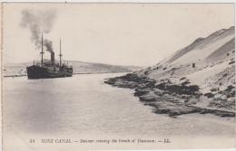 AK - SUEZ CANAL - Steamer Crossing The Trench Of Toussoum.-L.L. Um 1900 - Sues