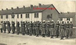 CPA Un Peu Tronquée-tirailleurs Marocains- Format 14 X 8,2cm - Regiments
