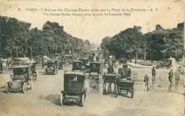 75 - PARIS - L'Avenue Des Champs-Elysées Prise Vers La Place De La Concorde - Champs-Elysées