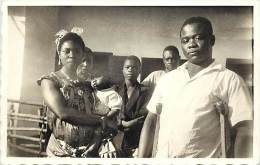 Pays Divers- Afrique -ref D837-yoko -cameroun-avec Sa Famille Joseph Ancien Combattant Gravement Bléssé En Alsace - - Cameroun
