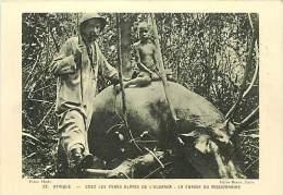 Pays Divers- Afrique -ref D765- Chasse -chasseur - Chez Les Peres Blancs De L Ouganda - La Chasse Du Missionnaire  - - Ouganda