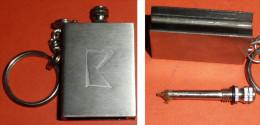 Rare Porte-clefs Clés CLE Pyrogène Publicitaire Briquet à étincelle LOGO à Définir, Allumette Permanente Allume-feu-gaz - Pyrogènes