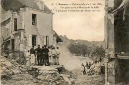 Mamers. Catastrophe Du 7 Juin 1904. Vue Prise Pendant L'écroulement D'une Maison. - Mamers