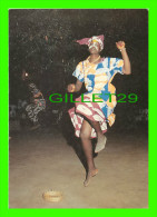 BANJUL, GAMBIE - THE GAMBIA - GAMBIAN DANCER, THE AFRICAN EXPERIENCE- WRITTEN - JULIA KERR, PHOTO - DIMENSION 13X18 Cm - - Gambie
