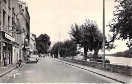 CONFLANS STE HONORINE 78 - Quai République : SOLEX En 1er Plan Bar Tabac Pub FRANCE SOIR - CPSM Dentelée PF - Yvelines - Conflans Saint Honorine