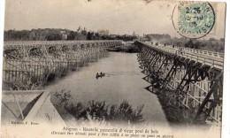 AVIGNON NOUVELLE PASSERELLE ET VIEUX PONT DE BOIS (DEVANT ETRE DEMOLI POUR Y ETRE EDIFIE A SA PLACE UN PONT EN PIERRE) - Avignon