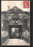 CPA Stains, Porte De L'ancien Château - Stains