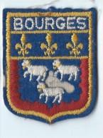 Ecusson Tissu/Ville De BOURGES/année 80    ET48 - Ecussons Tissu