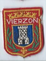 Ecusson Tissu/Ville De Vierzon/année 80    ET56 - Ecussons Tissu