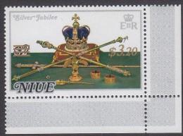 NIUE, 1977 JUBILEE SURCHARGE MNH - Niue
