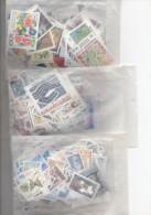 Lot de 250� de faciale de timbres neufs pour affranchissement  du Courrier  � 60% du prix - Sous faciale..