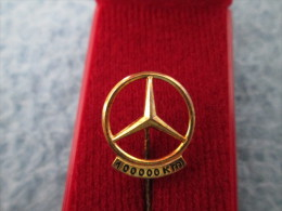 Mercedes Benz Daimler 100 000 Km Anstecknadel Gold Or 835 - Mercedes
