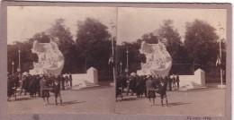 Vieille Photo Stereoscopique Calais Ancien Monument Aux Morts De La Grande Guerre Detruit Pendant  Seconde Inauguration - Stereoscopic