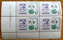 1964-5  MNH Corner Block Of Stamps From Canada Sc 424 No WM-739B. - Blocks & Sheetlets