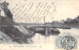 SAINT DENIS 93 - Vue Sur La Seine ( Péniches En 1er Plan ) CPA - Seine St Denis ( Barge Lastkähne Aken Chiatte Barcazas - Saint Denis