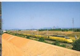 Cp Trains - 84 Vaucluse - Un TGV Postal Passe Près De Lapalud - Cp N° 422 - Lapalud