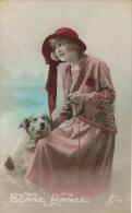 FEMMES - FRAU - LADY - DOG - Jolie Carte Fantaisie Femme Et Chien - Chiens