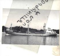"photo bateau navire identifi� "" OSTESUND "" HORST FRESC SCHIFFAHTISKENTOR 1967 ELOFLETH  ALLEMAGNE AVAL  GD  COURONNE"