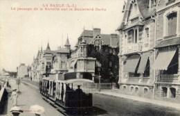 44  LA BAULE Le Passage De La Navette Sur Le Boulevard Darlu  Animée Petit Train - La Baule-Escoublac