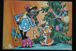 Wolf As SANTA, Hare As Snowgirl    - Old USSR Postcard 1970s - Santa Claus