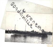 """photo bateau navire identifi� """" POTENITZ """" kochn et bohlmann kg 1975 la bouille allemagne"""
