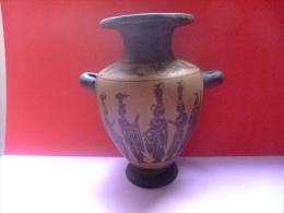 ÁNFORA GRIEGA ARTESÁNA EN BARRO PINTADO - GREC AMPHORA Artisan Argile Peinte - Miniaturas Decorativas