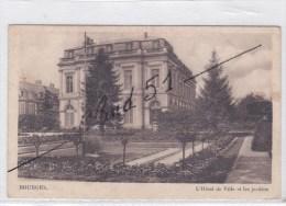 Bourges (18) L'Hôtel De Ville Et Les Jardins - Bourges