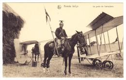 AK  Aéroplane Et Son Garde Non Circulée - 1914-1918: 1. Weltkrieg