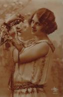 FEMMES - FRAU - LADY - Jolie Carte Fantaisie Portrait Jeune Femme - Women