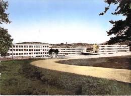 SAINT ETIENNE 42 - Lycée Honoré D'URFE : L'Externat - Ensemble Des Batiments - CPSM Dentelée Colorisée GF - Loire - Saint Etienne