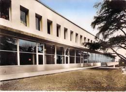 SAINT ETIENNE 42 - Lycée Honoré D'URFE : Les Réfectoire Et L'Infirmerie - CPSM Dentelée Colorisée GF - Loire - Saint Etienne