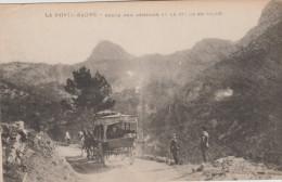 VAR   Saint Maximin - La Sainte Baume = Diligence Sur La Route De Gémenos - Saint-Maximin-la-Sainte-Baume