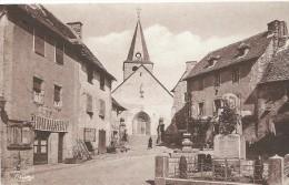 CPSM SENERGUES MONUMENT AUX MORTS ET L'EGLISE TRES BELLE - France