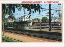 Cp Trains - 94 Val De Marne - Maisons Alfort-Alfortville TGV En Gare Et Les Quais - Cp N° 94568 - Maisons Alfort