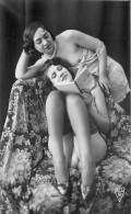 Nu - Serie De 3 Cartes Photos - 2 Femmes En Dessous Legers Seins Nus Lisant Un Livre - Nue Nude érotisme érotique - Desnudos Adultos (< 1960)