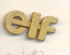 13-aut92. Pin Letras Elf - Carburantes