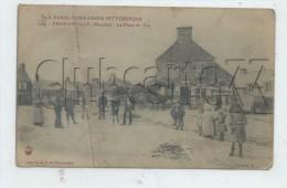 Fermanville (50) : La Place Du Tot Au Niveau D'un Magasin  En 1916 (animé) PF. - Otros Municipios