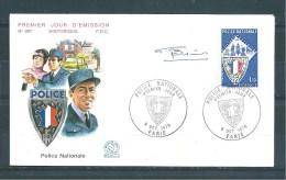 Enveloppe Premier Jour  Avec Le  N°1907  ( Dédicacée )   8/10/76 - Documents De La Poste