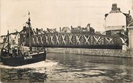 76-587  CPSM Petit Format    DIEPPE  Le Pont Tournant    Belle Carte - Dieppe