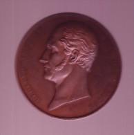 M�daille L�opold premier  de l'Acad�mie royale de m�decine de Belgique 1841  graveur A.-C. Jouvenel