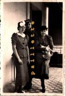 Chien Chapeau  Femme 8x6cm Photo Ancienne Achat Immédiat    C´est Le Premier Qui Clique Qui L´a - Photos