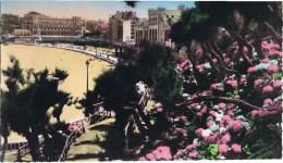 Cpsm BIARRITZ Le Grand Palais Et La Plage - Biarritz