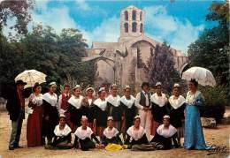 ARLE GROUPE FOLKLORIQUE ESCOLO MISTRALENCO AUX ALYSCAMPS - Arles