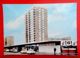 93 - DRANCY - La Tour Et Le Centre Commercial - Drancy