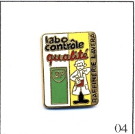 Pin´s Pétrolier - BP / Labo Contrôle Qualité à La Raffinerie Lavera (13). Estampillé Winner. EGF. T386-04 - Fuels