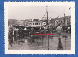 Photo ancienne -SAINT JEAN de LUZ - Le Port - Bateau de p�che � quai - juillet 1959