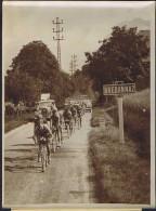 PHOTO NYT TOUR De FRANCE 1934 6e Étape Évian-Aix-les-Bains Passage à Brédannaz (74). Hotchkiss. - Cycling