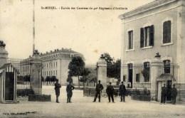 55 SAINT-MIHIEL Entrée Des Csernes Du 40è Régiment D'Artillerie Animée - Saint Mihiel