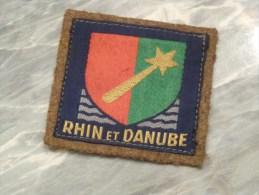 INSIGNE TISSU .RHIN ET DANUBE.(1944-1947) Sur Fond Kaki. - Patches