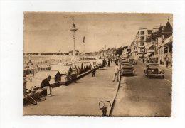 (44) LA BAULE - Le Remblais Et La Plage-vieille Voiture 1949 - La Baule-Escoublac